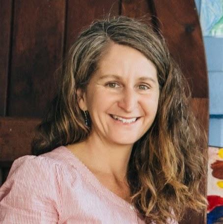 Julie Oneill-123